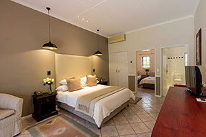 Hlangana Lodge Family Room